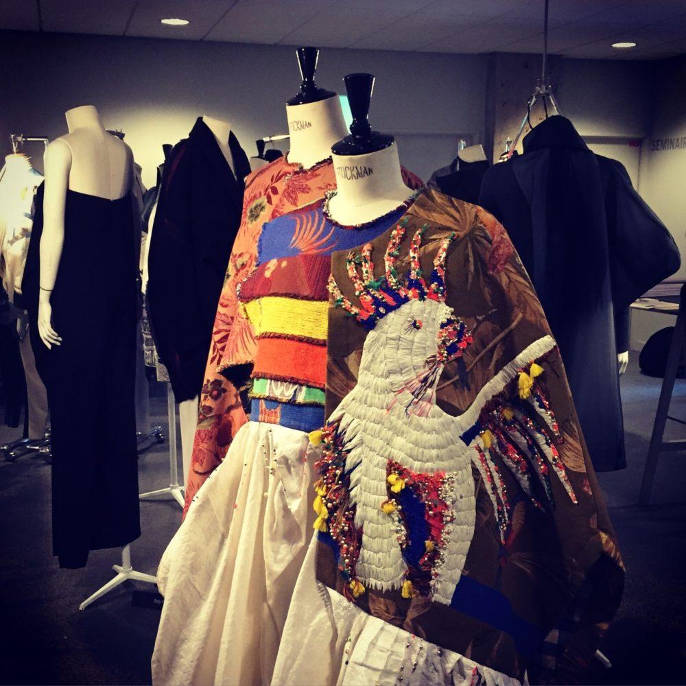 Création de vêtement sur stockman exposé à l'Institut Français de la Mode